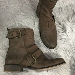 **Special** Boutique 9 Booties Size 7